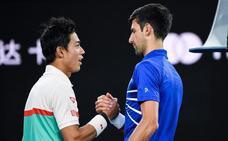 Djokovic alcanza las semifinales tras el abandono de Nishikori