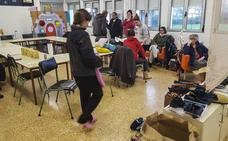 Los servicios de emergencia evacúan el pueblo de Santa Olalla