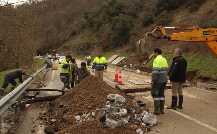 Restablecida la circulación y el agua en Liébana tras los trabajos en la zona del argayo