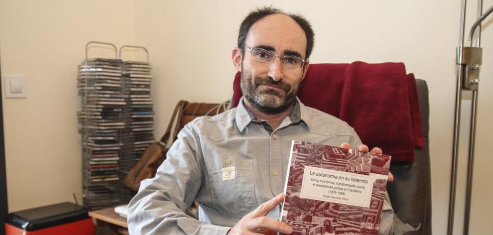 Ángel Revuelta: «El paso de una Cantabria industrial a una de servicios fue traumático»