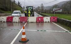 El Gobierno valora construir dos nuevos puentes para sortear el argayo de Ruente