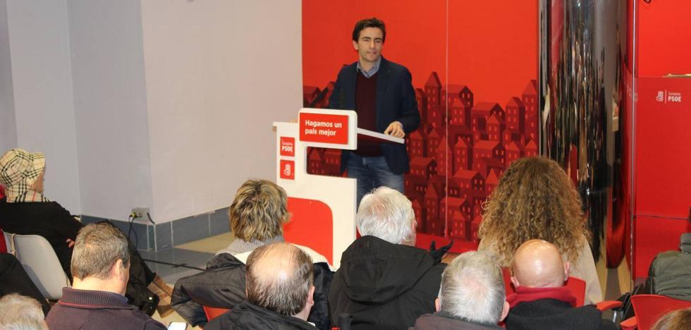 Casares dice que el PSOE es «la única alternativa de cambio» en Santander