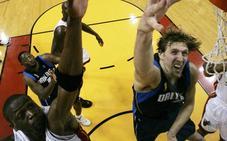La NBA homenajea a Nowitzki y Wade con su presencia en el All-Star
