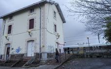 Cae un rayo sobre la estación de tren de La Cavada