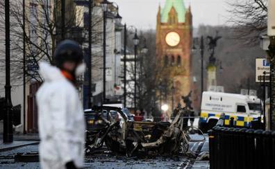 Dos tiroteados en un ataque de «tipo paramilitar» en Derry, Irlanda del Norte