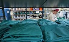 La ropa de hospital que «desaparece» genera 250.000 euros de pérdidas al año