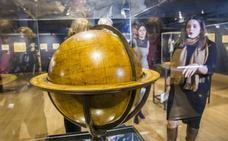 El Museo Marítimo reta a los visitantes a perderse entre sus mapas