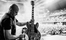 'Jorge Backliner', la mano que pone a punto los instrumentos de las mejores bandas