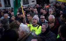 El taxi de Madrid tira la toalla y pone fin a la huelga sin haber conseguido nada