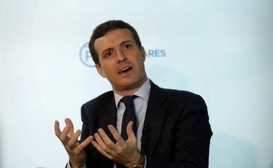 Casado acusa de «alta traición» a Sánchez y no descarta una moción de censura