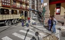 Comienza la peatonalización de las calles Carrera, Ancha y Gilberto Quijano de Torrelavega