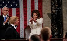 Trump traslada su 'show' al Congreso