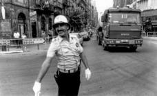Imágenes para el recuerdo de Ángel Quintanal, el popular guardia al que apodaron el 'Nureyev de Torrelavega'