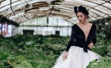 Moda y arte se fusionan en la lucha contra el cáncer en Torrelavega