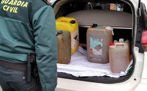 La Guardia Civil investiga el robo de 800 litros de gasoil de tres camiones en Ramales