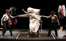 'Interrupted', la original comedia sobre la crisis, se suma al programa del Palacio
