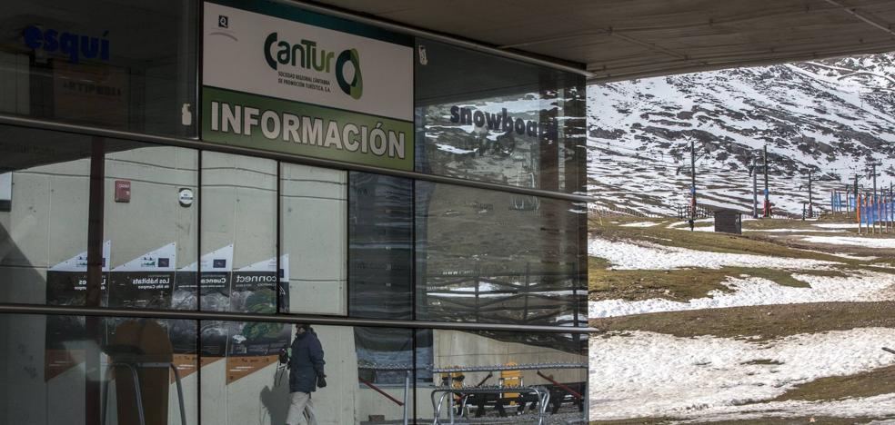 Revilla se reúne con el Comité de Cantur para intentar sofocar la crisis con Carrión