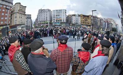 Santander entona la voz para cantar las marzas