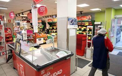 Mercadona y Lidl crecen gracias al declive de Dia enfrascada en su peor crisis