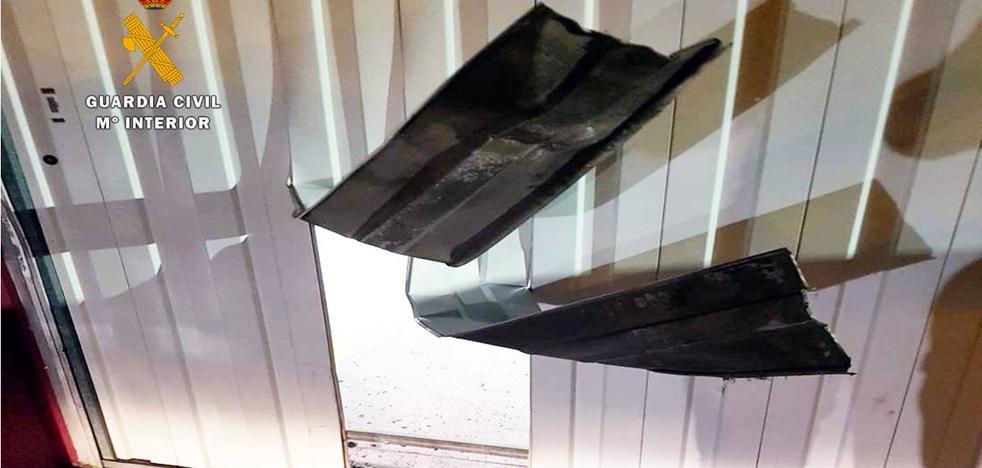 Detenido un ladrón multirreincidente por siete robos en empresas de Laredo y Colindres y en una vivienda de Gibaja