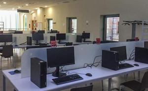 Los ordenadores de la Biblioteca Central llevan ya nueve meses fuera de servicio