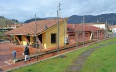 El Gobierno cede a Los Corrales un edificio para uso social y cultural