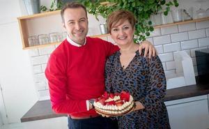 Cocinamos una tarta de corazón con el comunicador cántabro Jesús Mazón