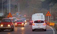 Abre un carril provisional en la carretera de Ruente cortada hace casi un mes por un argayo