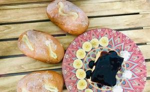 Sorprende en casa con esta receta de flan de bollo suizo y plátano