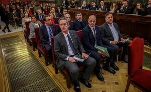 El Govern y el Parlament, bajo mínimos por el juicio