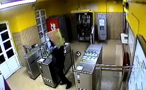 Los cinco acusados de robar en máquinas de Renfe se declaran culpables