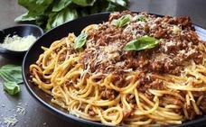 Muere por comerse un plato de pasta que había cocinado cinco días antes por el 'síndrome del arroz frito'