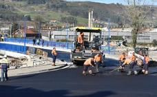 Se adelanta la hora de la apertura al tráfico del puente Renero de Los Corrales