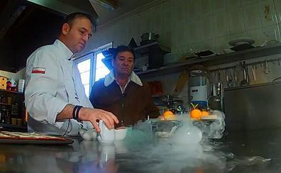 Así prepara Rubén Abascal el trampantojo de queso con el que triunfó en Madrid Fusión