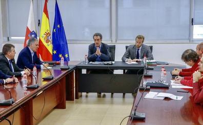 Cantabria acuerda hacer «un frente común» para defender la inclusión de la región en el Corredor Atlántico