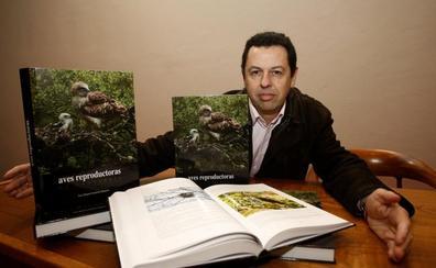 Un libro recoge los hábitos de las 147 aves reproductoras de Cantabria