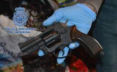 La Policía detiene a un cántabro y dos hermanos vascos por el asesinato de un anciano hace dos años en Santander