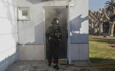Un nuevo incendio en la sauna obliga a desalojar el polideportivo de La Lechera
