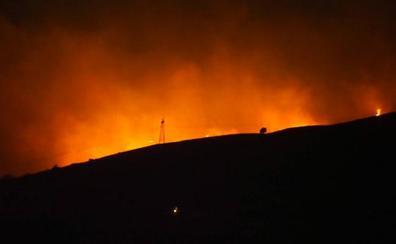 Cinco incendios permanecen activos en Cantabria