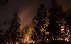 «Nos hemos quedado sin una gota de agua en mitad del infierno», dicen los bomberos de Castro