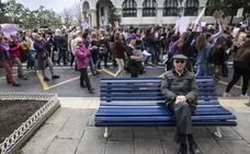 Las cántabras toman la calle y un 7% de los empleados públicos secunda la huelga