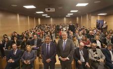 Más de 50 empresas reclutan talento ante 200 alumnos en la XIV Feria de Empleo de Cesine