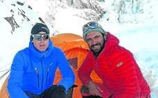 Txikon permanece en el Nanga para la búsqueda de dos montañeros desaparecidos