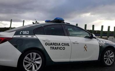 Intenta estrangular a su novia menor de edad mientras conducía en Valencia