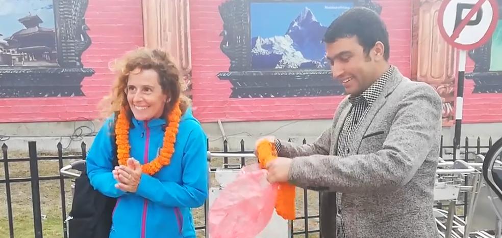 La cántabra Raquel García ya está en Nepal