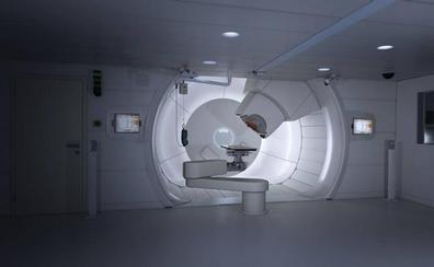 Una empresa elige Valdecilla para desarrollar la terapia de protones contra el cáncer en España