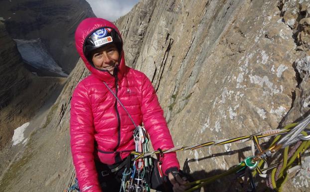 La bilbaína Sonia Casas, primera guía de alta montaña de España