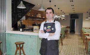 «La ilusión de mi vida era tener mi propio bar en Santoña»