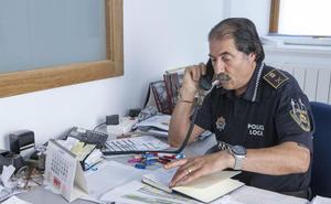 Tomás Velasco: «Agradezco al pueblo de Santoña su cariño y colaboración con la Policía»