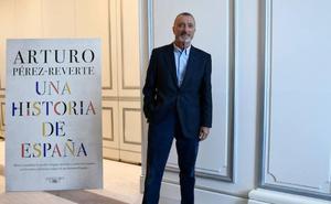 Pérez-Reverte: «España está en demolición»
